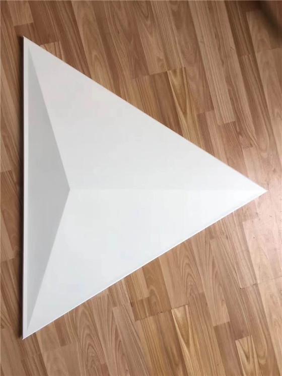 <b>异形铝单板</b>